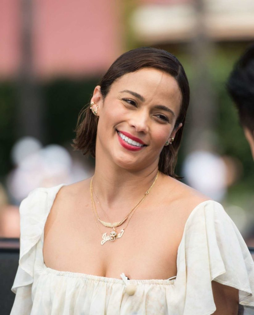 Paula Patton Smiling Images