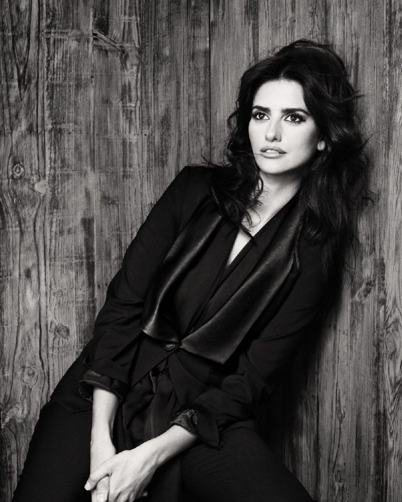 Penélope Cruz Black & White Photos