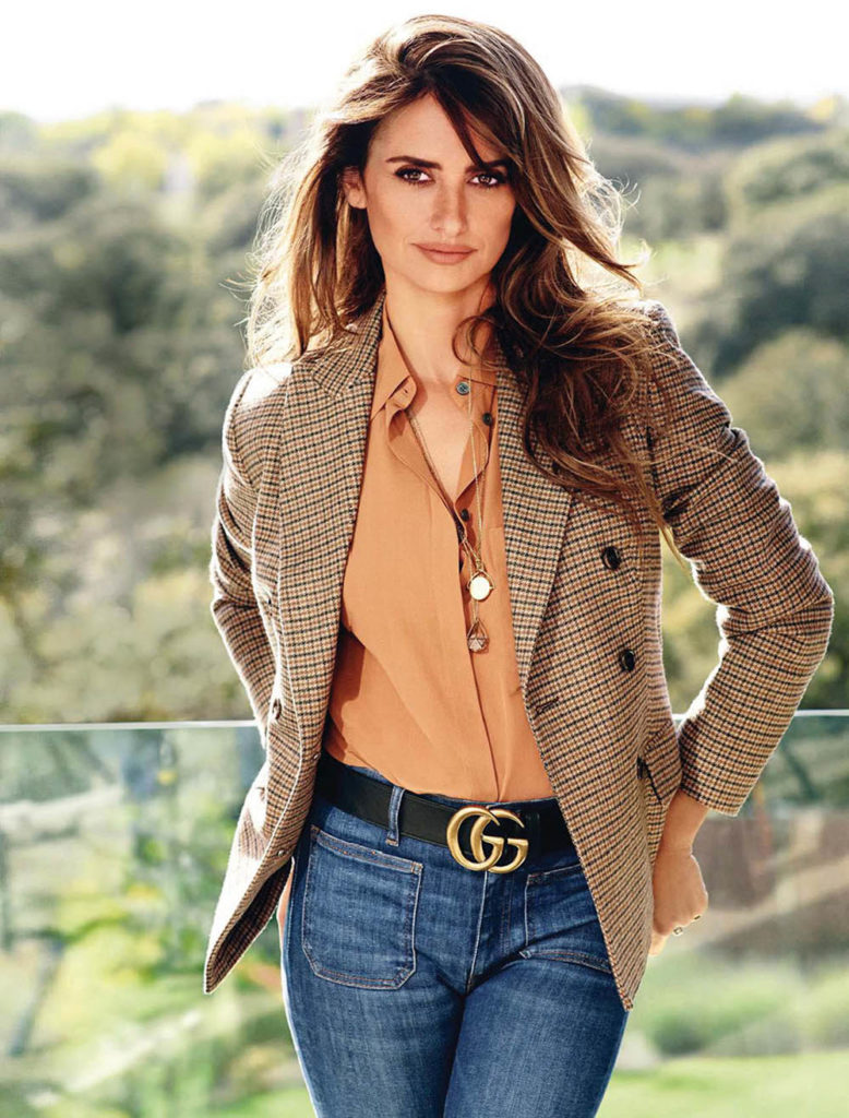 Penélope Cruz HD Full Pics
