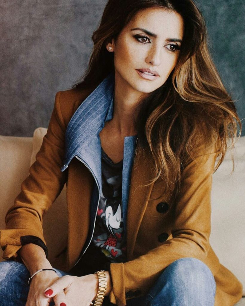 Penélope Cruz New Look Pics