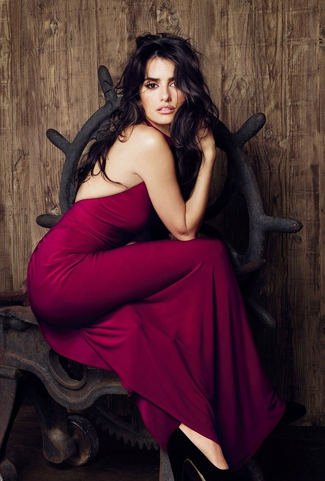 Penélope Cruz No Makeup Pics