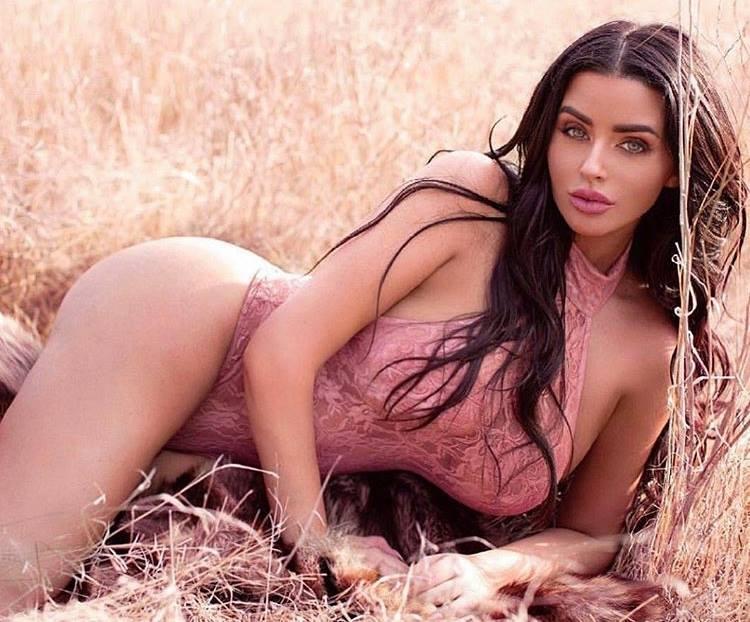 Abigail Ratchford Bikini Pics