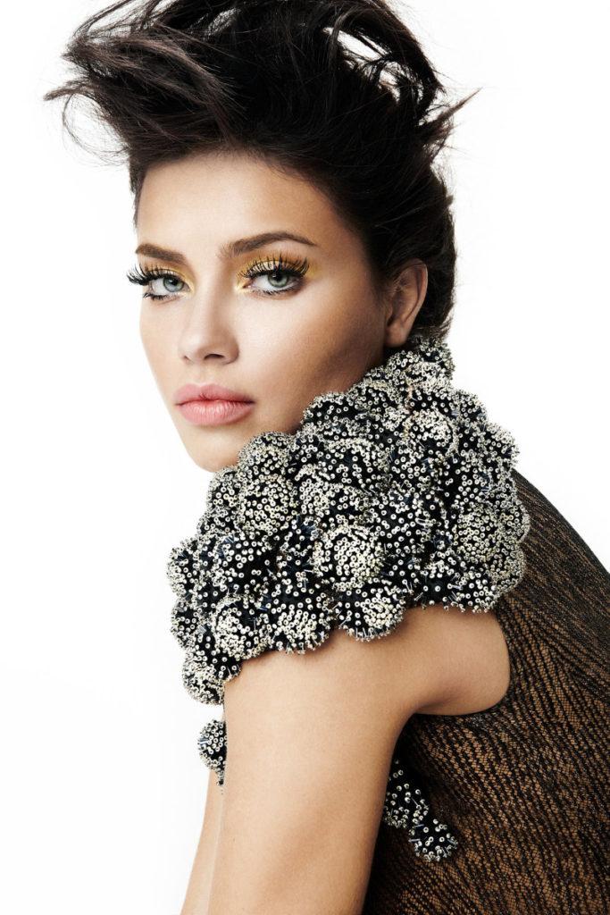 Adriana Lima Hair Style PIcs