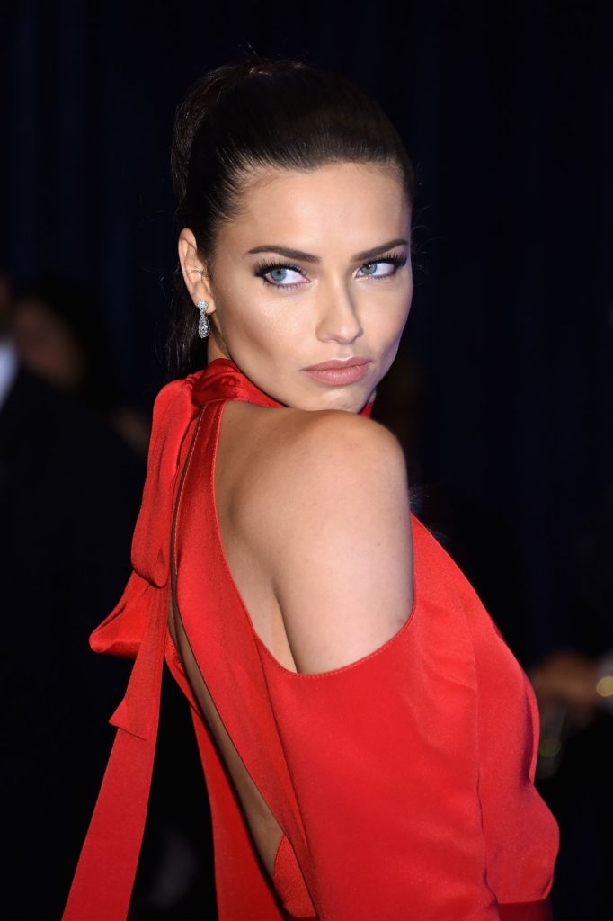 Adriana Lima Sexy Images