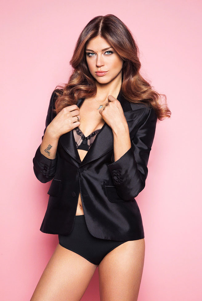 Adrianne Palicki Swimsuit Wallpapers