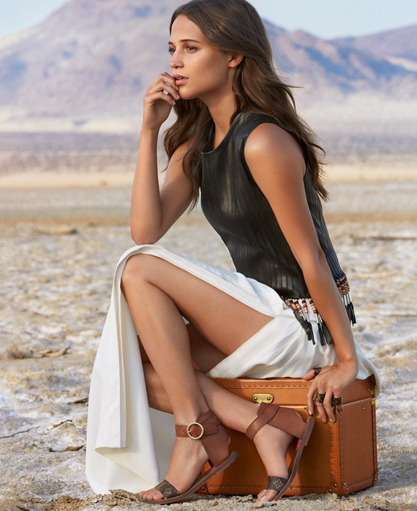 Alicia Vikander Thighs Wallpapers