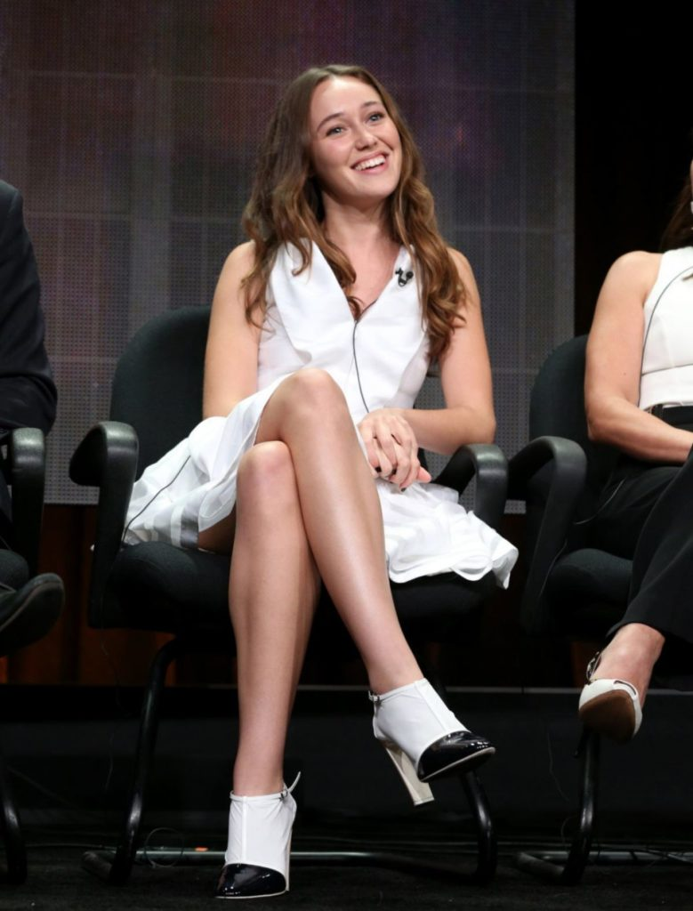 Alycia Debnam-Carey High Heals Pics