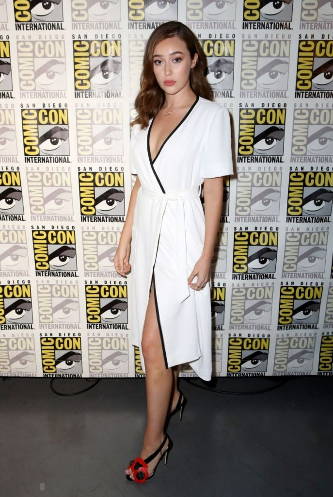 Alycia Debnam-Carey Shorts Pics