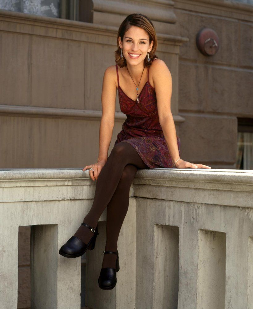 Amy Jo Johnson Undergarments Pics