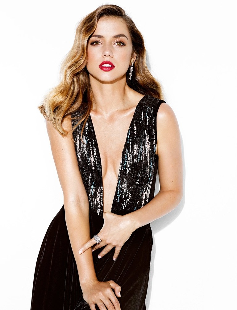 Ana de Armas Braless Wallpapers