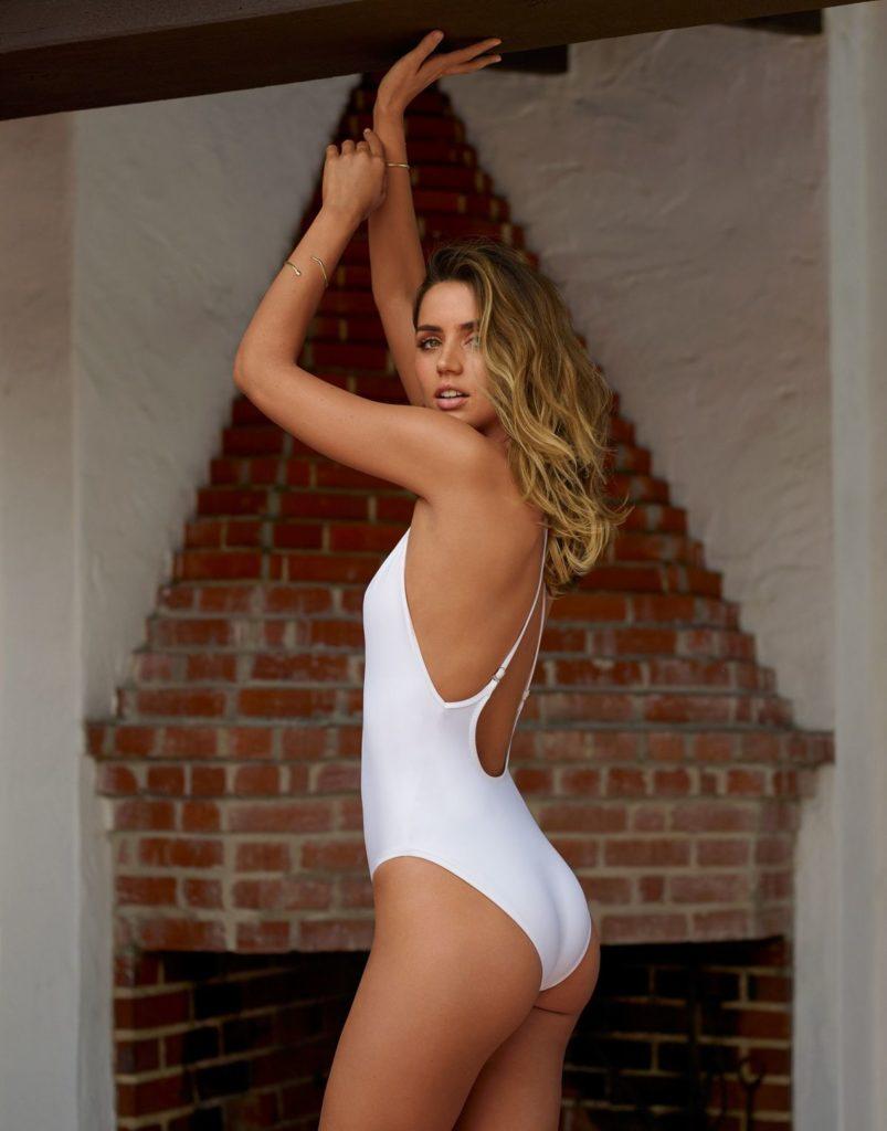 Ana de Armas In Bikini Images