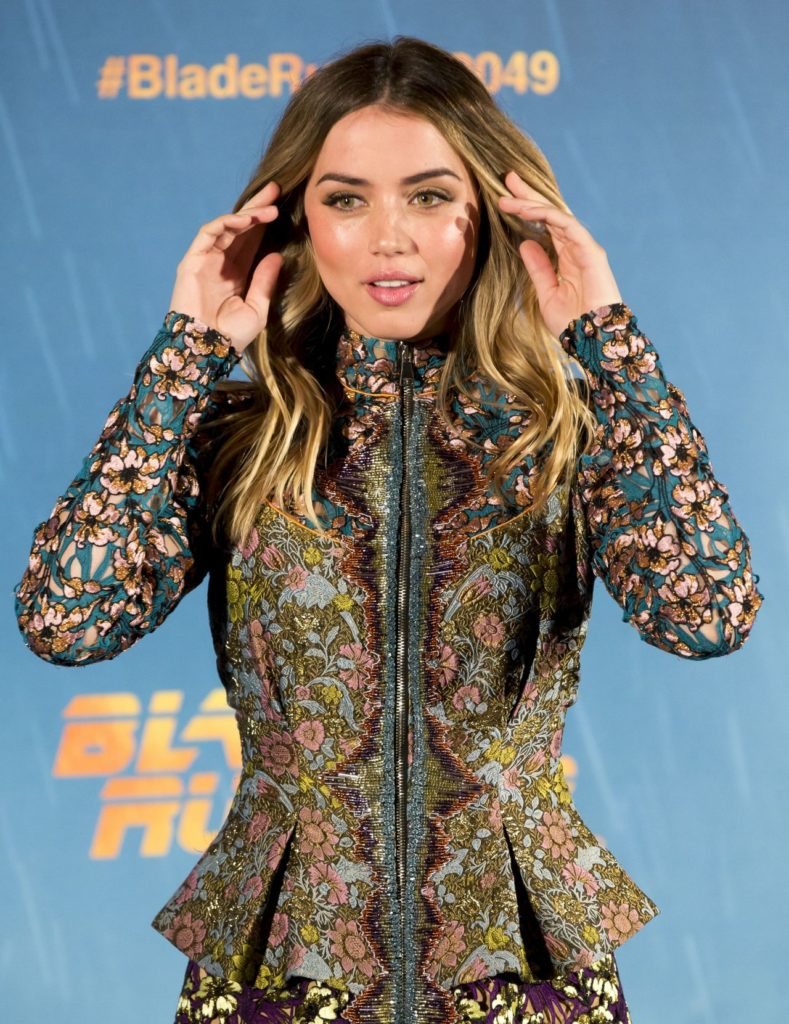 Ana de Armas Photos Gallery