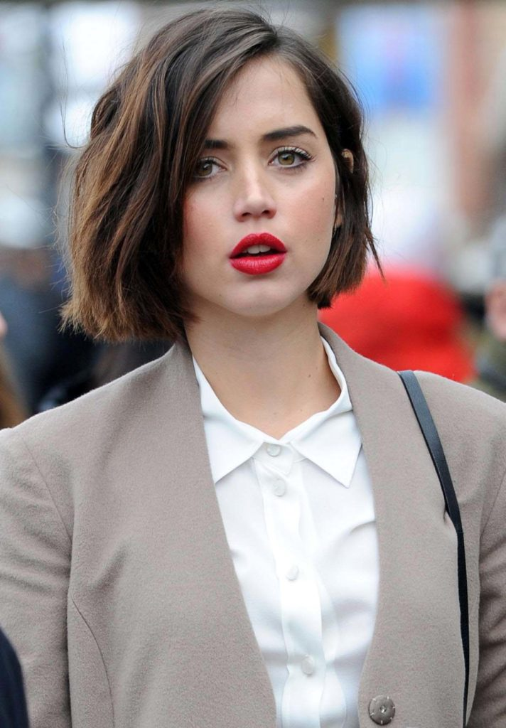 Ana de Armas Stylish Makeup Photos
