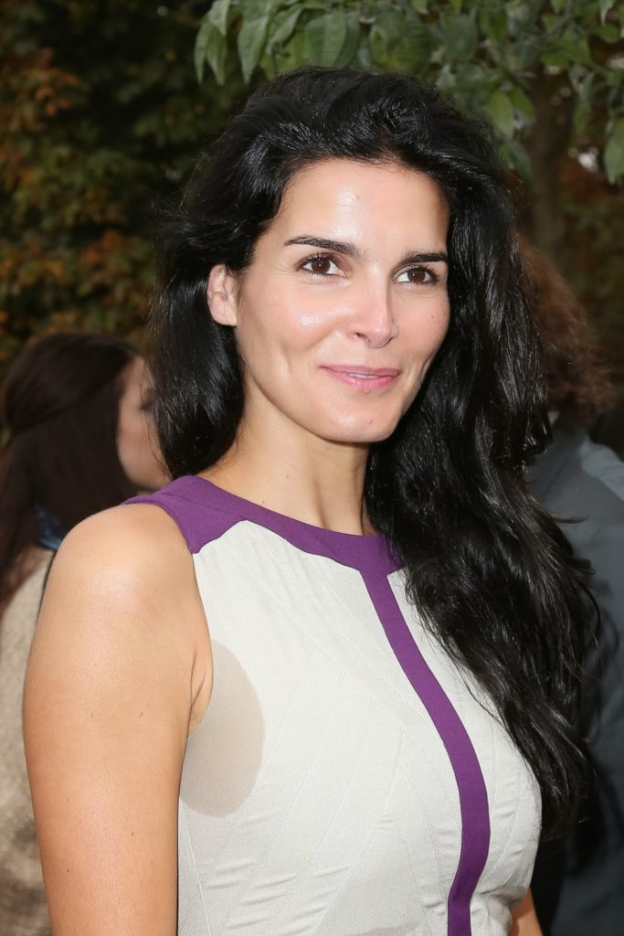 Angie Harmon Muscles Photos