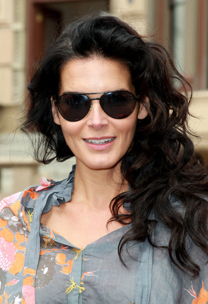 Angie Harmon Smile Face Images