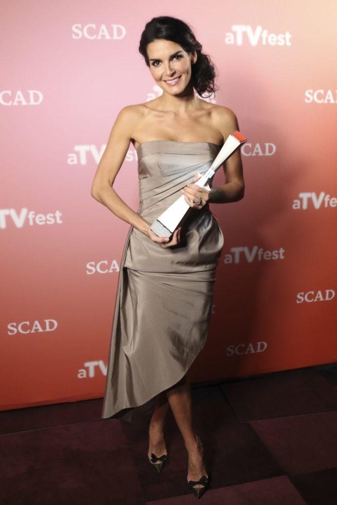 Angie Harmon With Award Pics