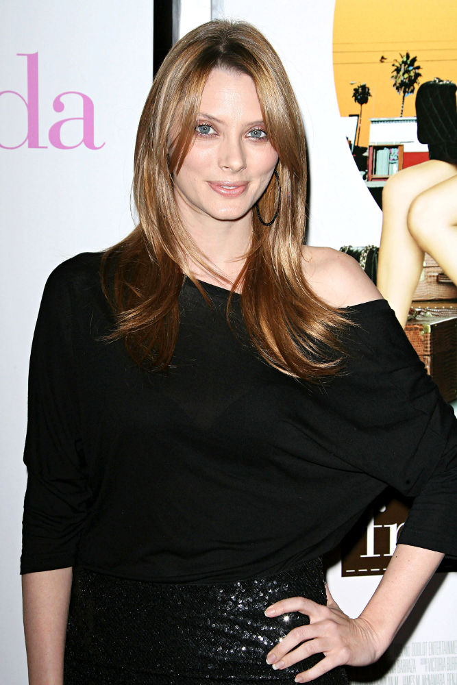 April Bowlby New Hair Cut Pics
