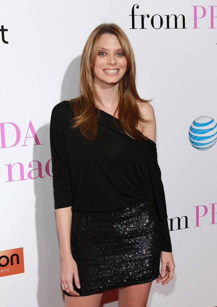 April Bowlby Photos Gallery