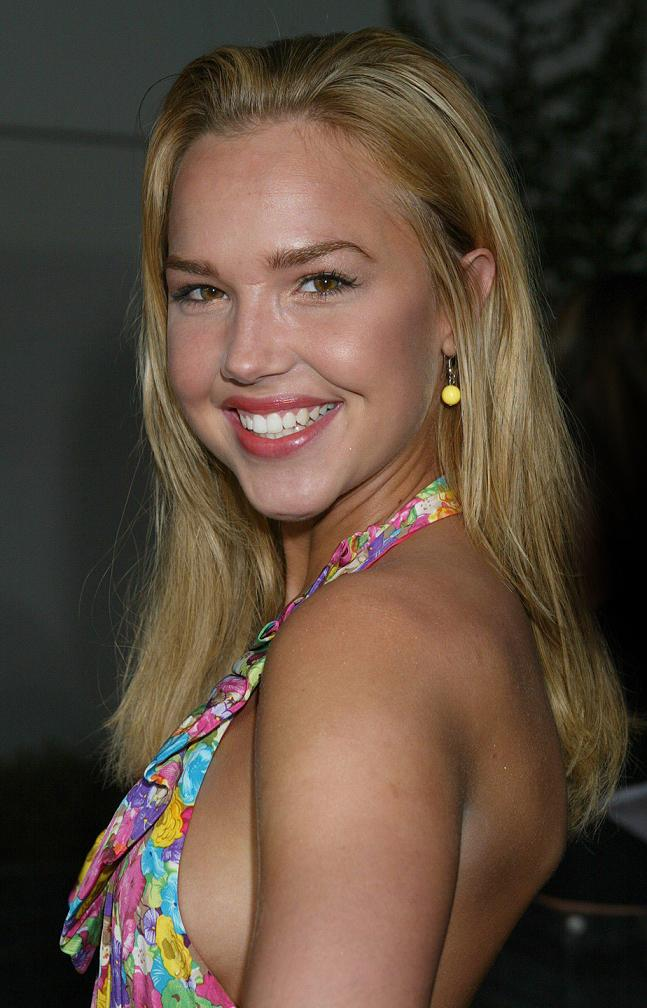 Arielle Kebbel Smile Face Photos