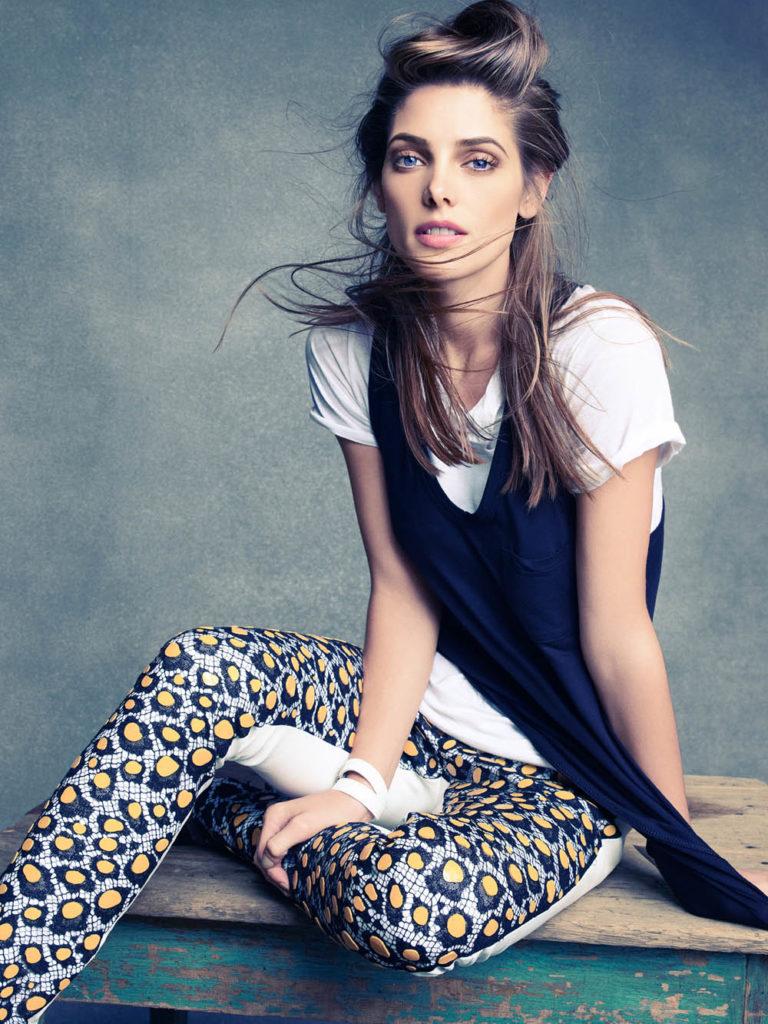 Ashley Greene HD Wallpapers