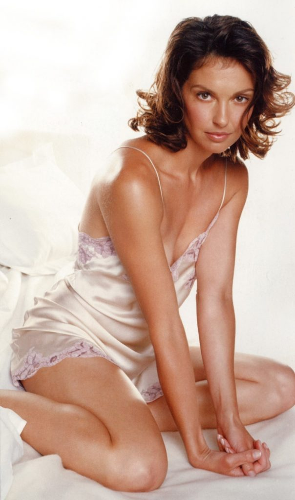Ashley Judd In Undergarments Pics