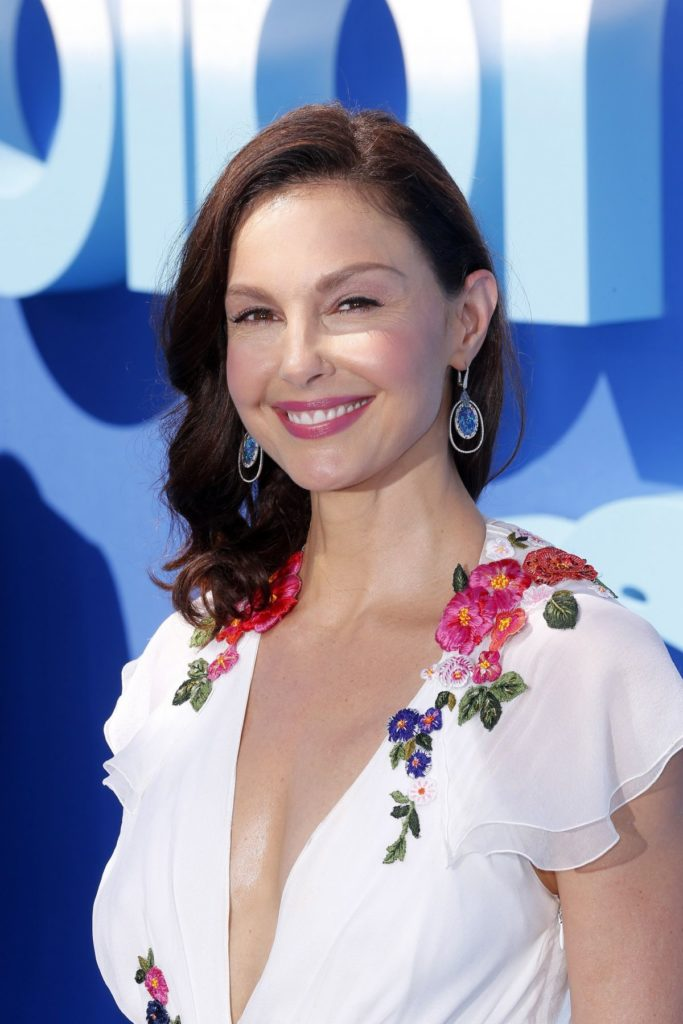 Ashley Judd Latest Hair Cut Pics