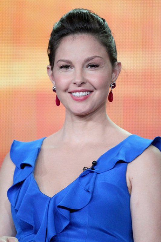 Ashley Judd New Hair Style Photos