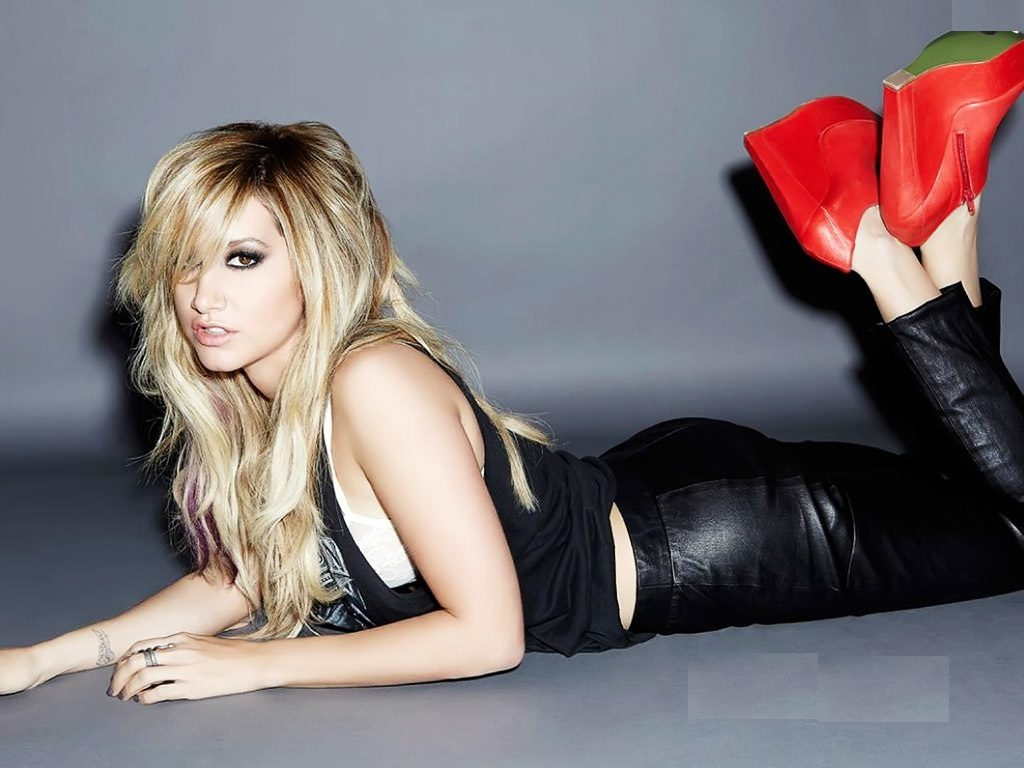Ashley Tisdale Muscles Pics