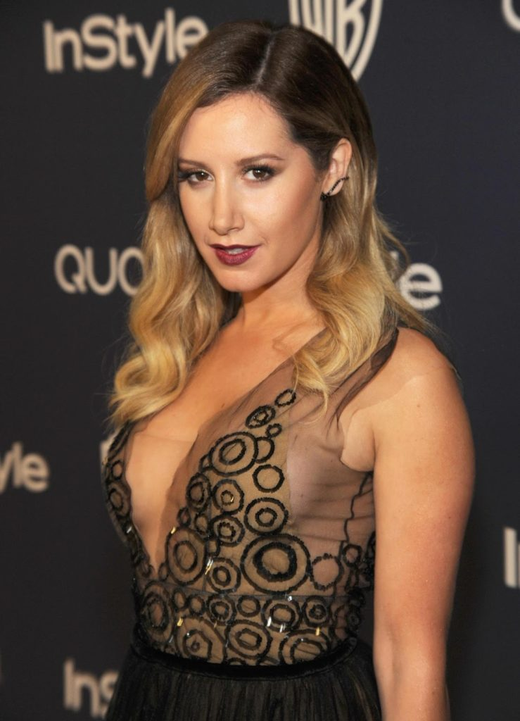 Ashley Tisdale Sexy Boobs Pics