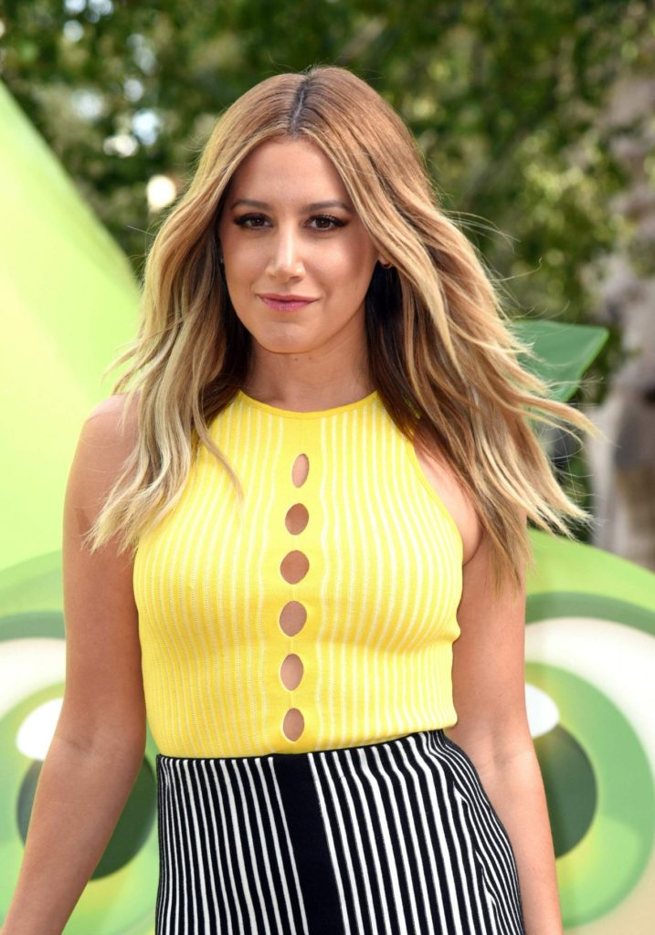 Ashley Tisdale Stylish Pics