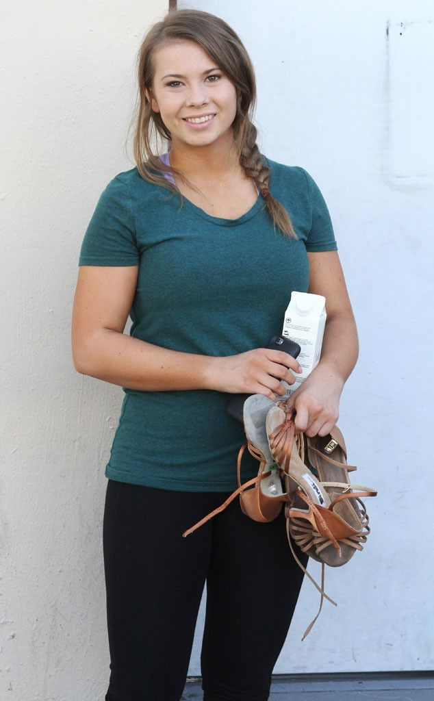 Bindi Irwin Cleavage Pics