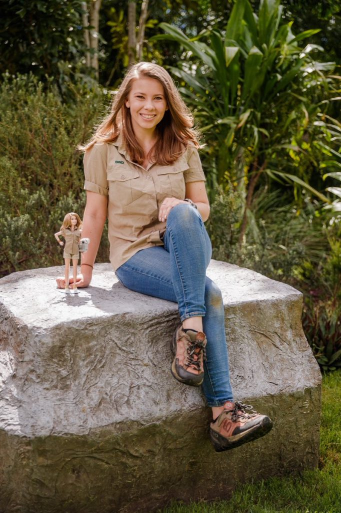 Bindi Irwin Jeans Photos