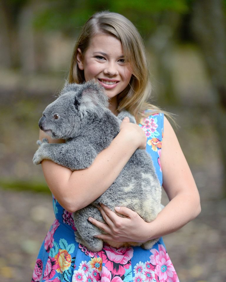 Bindi Irwin Makeup Wallpapers