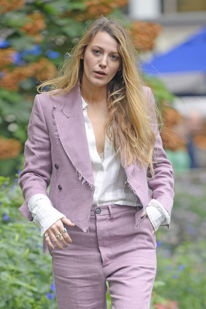Blake Lively Leggings Images