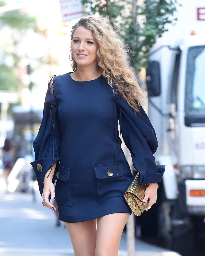 Blake Lively Thighs Wallpapers