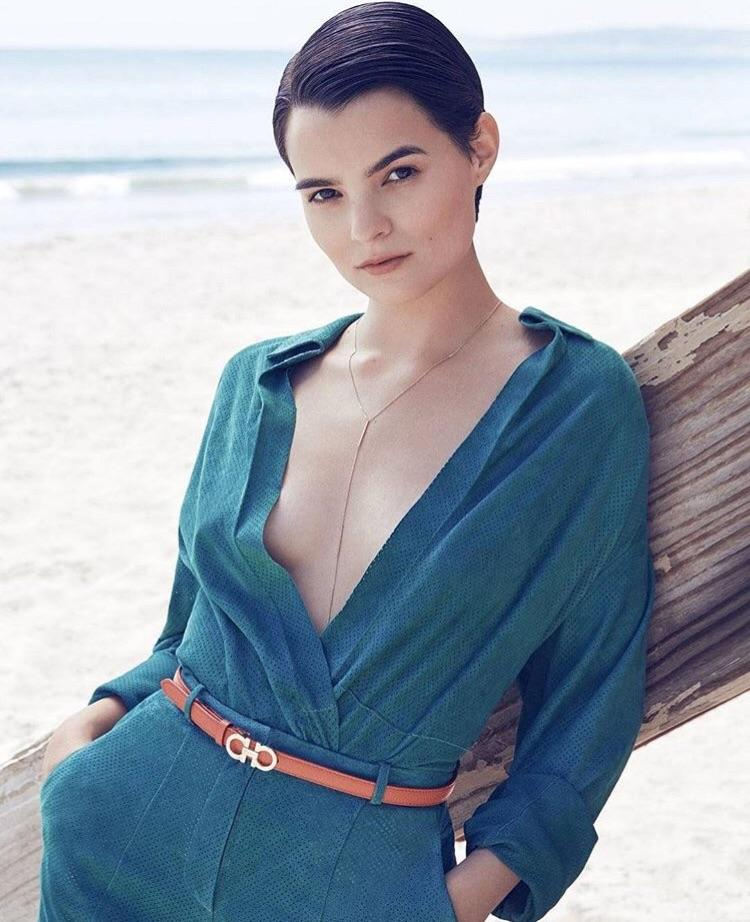 Brianna Hildebrand Braless Photos