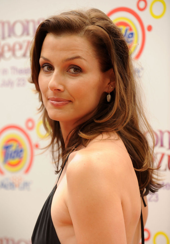 Bridget Moynahan Backless Images