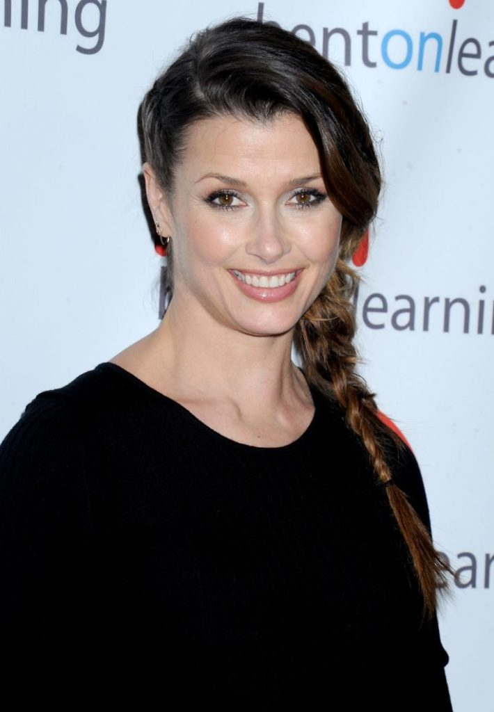 Bridget Moynahan Cute Smile Face Pics