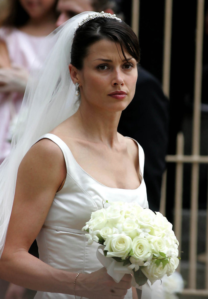 Bridget Moynahan In Bride look Pics