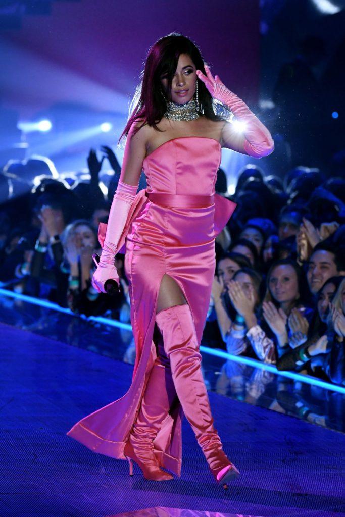 Camila Cabello Thigh Wallpapers