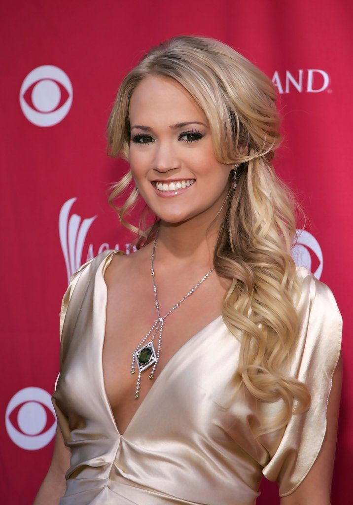 Carrie Underwood Boobs Images