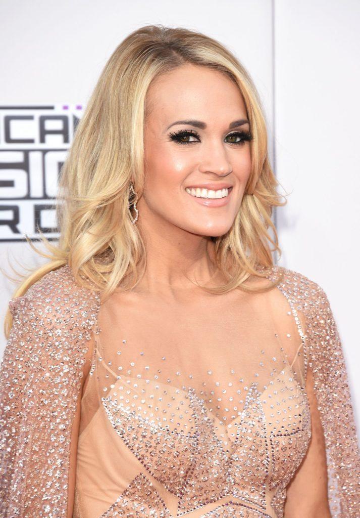 Carrie Underwood Boobs Photos