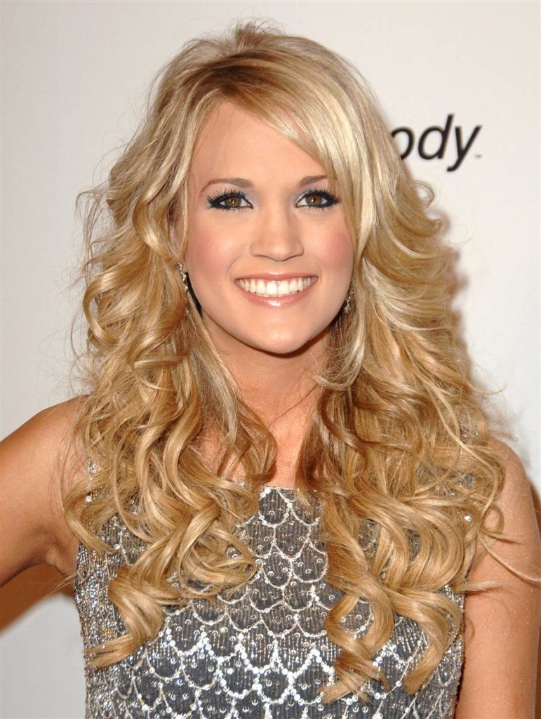 Carrie Underwood Cute Smiling Pics