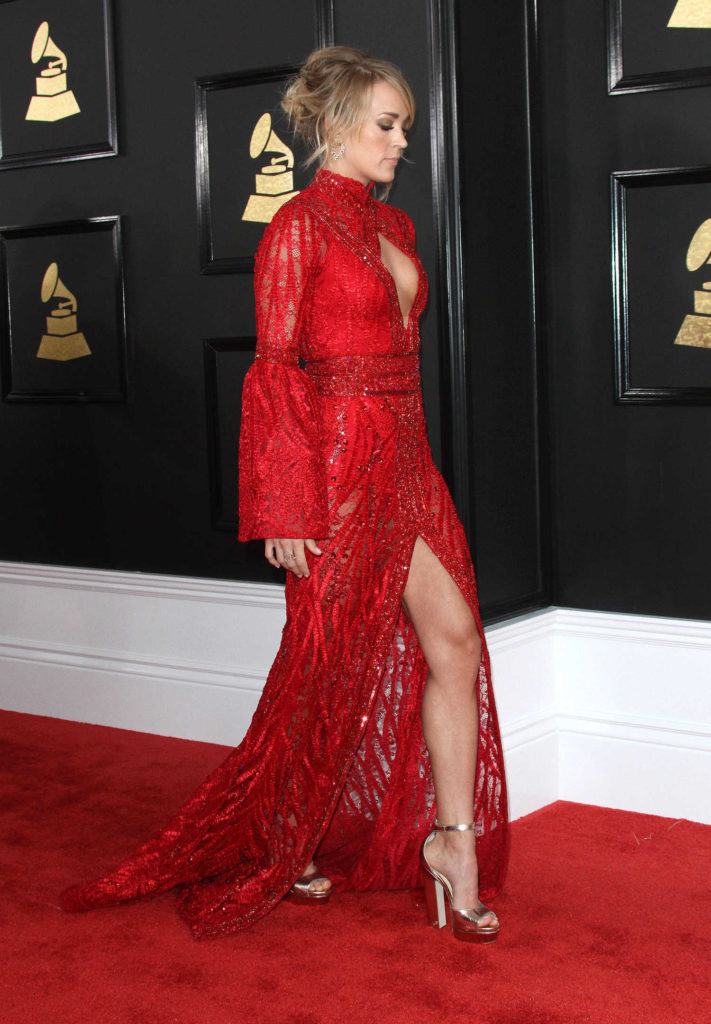 Carrie Underwood In Sexy Red Gown Images