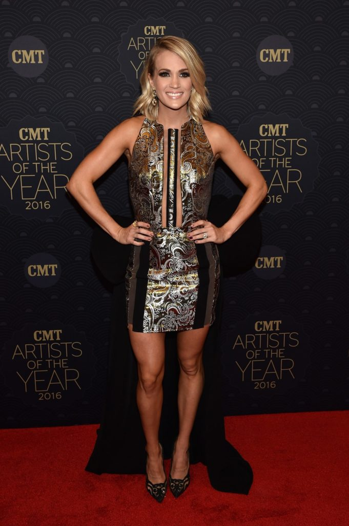 Carrie Underwood Legs Pictures