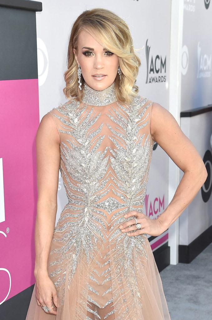 Carrie Underwood New Sexy Pics
