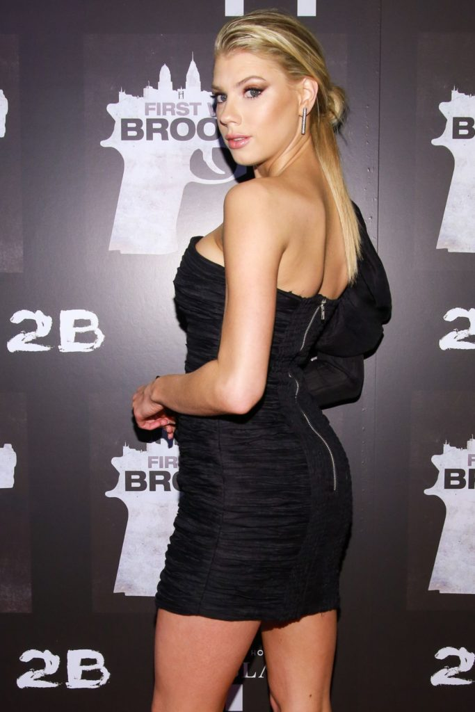 Charlotte McKinney Bacless Images