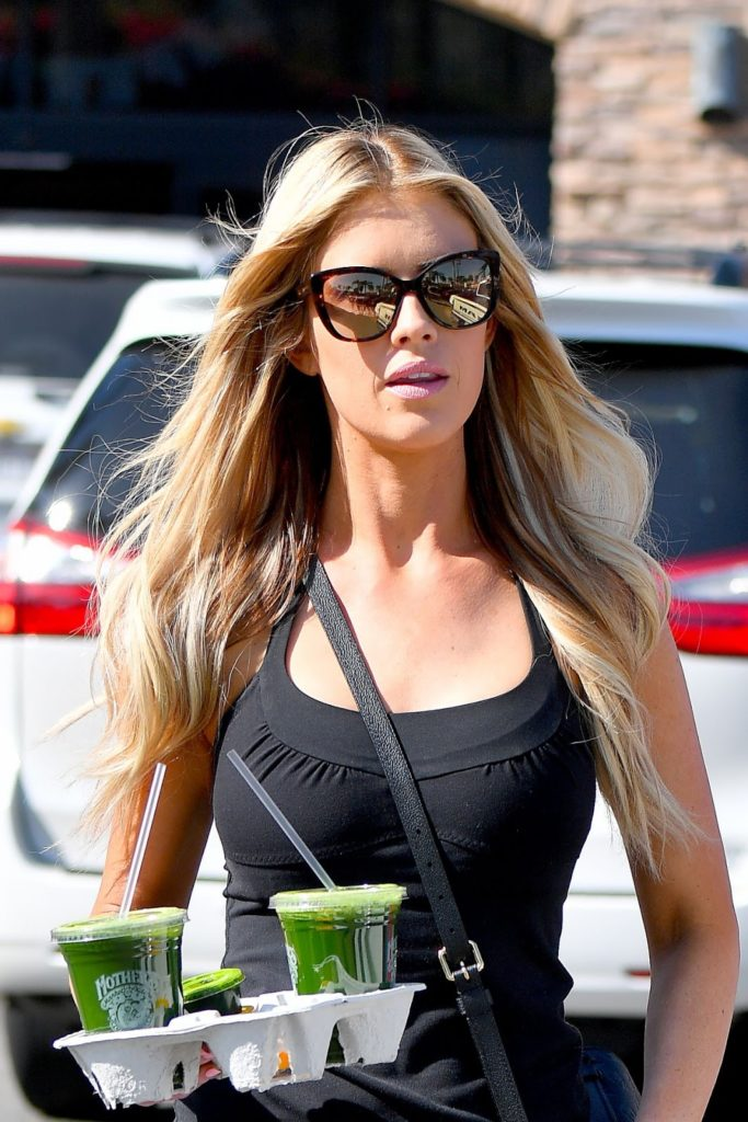 Christina El Moussa Yoga Pants Images