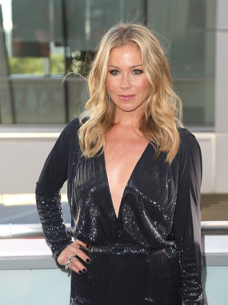 Christina Applegate Haircut Images