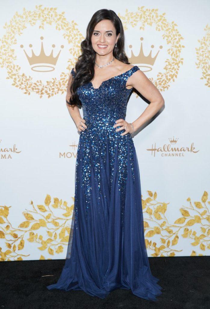 Danica McKellar In Blue Clothes Pictures